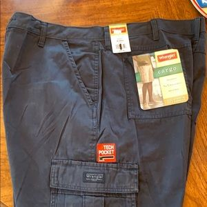 Men's cargo shorts-size 40 reg-blue